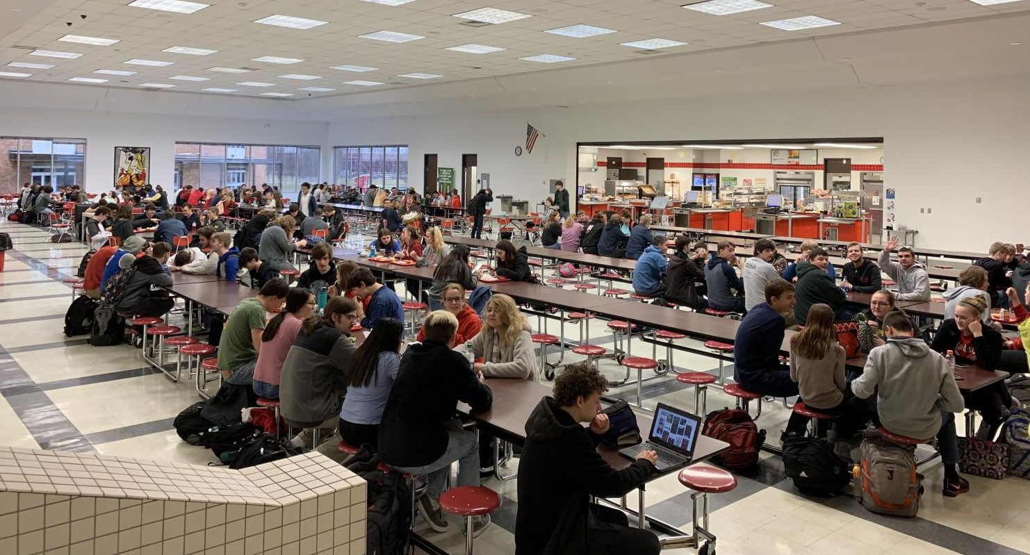 MCHS students eat during A Lunch